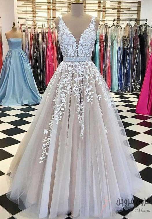 لباس عروس با یقه V