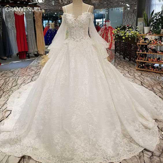 لباس عروس پفی دنباله دار