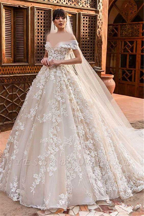 لباس عروس پفی با شنل
